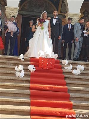 Porumbei albi si decoratiuni - imagine 5