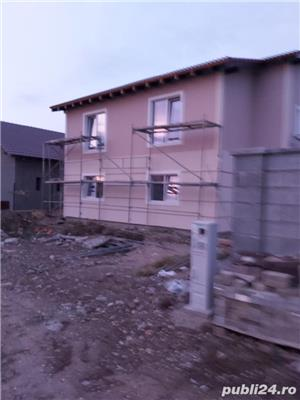 Duplex la asfalt, intre case locuite, tote utilitatiile acces auto, terasa, teren 670mp - imagine 8