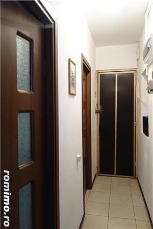 Unirii Imobil 6 Apartamente 2 Spatii Comerciale - imagine 4