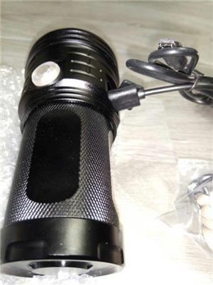 Lanternă cu LED 3xXHP70 USB reîncărcabilă impermeabilă - imagine 4