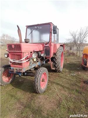Tractor U650 - imagine 1