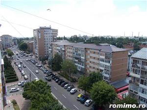 Vanzare apartament 2 camere complet mobilat in Targoviste-zona piata 1 Mai - imagine 1