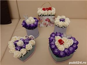 Flori de sapun parfumate pentru cadouri - imagine 1