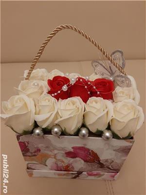 Flori de sapun parfumate pentru cadouri - imagine 2
