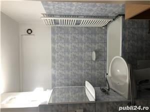 Închiriez apartament cu o camerā str. Lunei zonā centralā - imagine 1