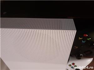 Vand Xbox ONE S 1 TB + 2 controllere +fifa 19+gta 5 - imagine 1