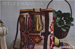 set genti handmade crosetate ornamentate cu motivul popular din Crisana soare fitoform - imagine 3