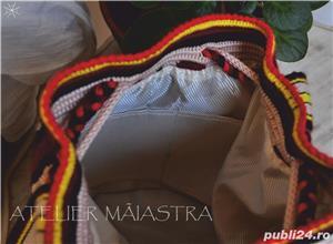 set genti handmade crosetate ornamentate cu motivul popular din Crisana soare fitoform - imagine 5