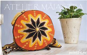 set genti handmade crosetate ornamentate cu motivul popular din Maramures scara matii și soare - imagine 3