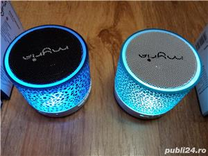 Boxa cu Bluetooth, Radio FM, USB, microSD, slot USB, Handsfree + efecte Luminoase  - imagine 1