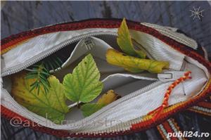 set genti handmade crosetate ornamentate cu motivul popular din Crisana soare fitoform - imagine 9