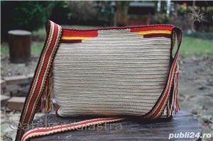 set genti handmade crosetate ornamentate cu motivul popular din Crisana soare fitoform - imagine 7