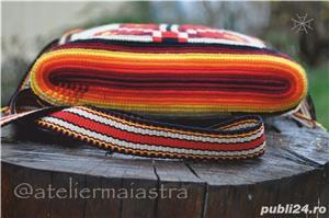 set genti handmade crosetate ornamentate cu motivul popular din Crisana soare fitoform - imagine 8