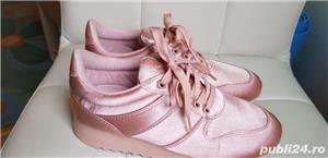 Adidasi roz dama, marimea 37, Waikiki - imagine 1