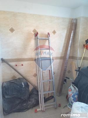 Casă / Vilă de vanzare cu 3 camere, com. Sanmartin - imagine 14