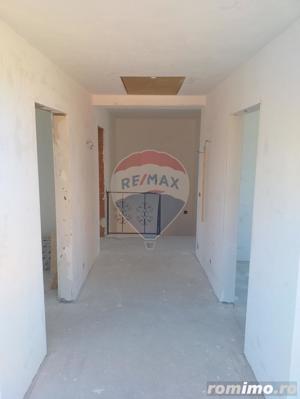 Casă / Vilă de vanzare cu 3 camere, com. Sanmartin - imagine 16