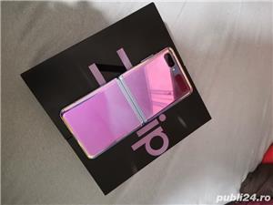 Samsung Z Flip - imagine 2