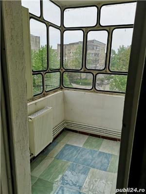 Vânzare apartament  3 camere  - imagine 2
