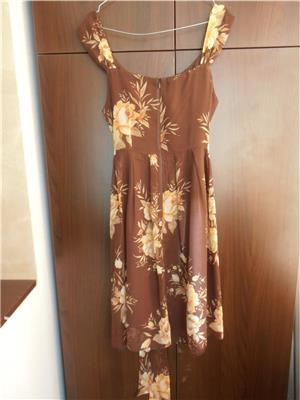 Vand rochie matase, maro cu flori cu galben si portocaliu delicat, 150 lei - imagine 3