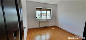 Vand Apartament 3 camere Decomandat  - imagine 4