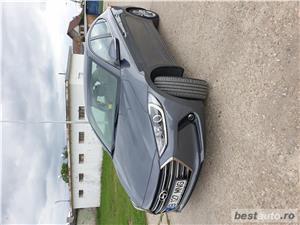 Hyundai Elantra  - imagine 8