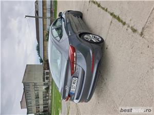 Hyundai Elantra  - imagine 10
