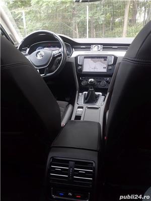 Volkswagen Passat Passat B8 R line, 2016, Full LED, Panoramic View, Alcantara !. - imagine 9