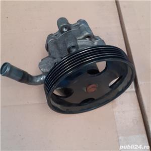 Vand pompa servodirectie Ford - imagine 1