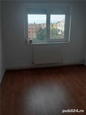 apartament 3 camere de vânzare - imagine 1