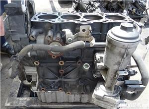 Bloc motor Volkswagen Golf 5 1.9 TDI din 2006  - imagine 2