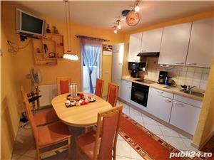 INCHIRIEZ apartament 2 camere dec.,renovat, zona Centrala - imagine 1
