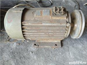 Motor functional de 4 kW 4000W 2840 rotatii/minut functional la 220v sau 380v Bucuresti - imagine 1