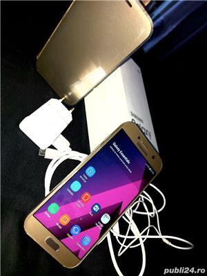 Vând Samsung Galaxy A5 gold liber de rețea  - imagine 2