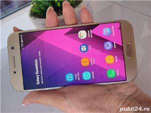 Vând Samsung Galaxy A5 gold liber de rețea  - imagine 3
