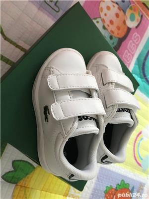 Vand pantofi NOI bebe size US4, EUR19, 11.5 lungime  LACOSTE original - imagine 1