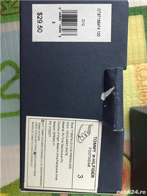 Vand pantofi NOI, CU ETICHETA; ORIGINALI pentru BEBE - marime US3-4, EUR18.5-19.5 - Tommy Hilfiger - imagine 3