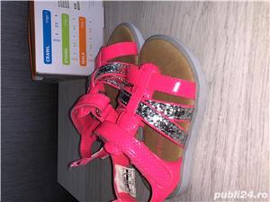 Vand sandale si pantofi vara - CARTERS,US 5, EU 20, lung 12,1 cm (pret 50 ron) - imagine 2