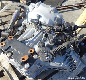 Cutie viteze Kia Sportage 2.0 CRDI E4 din 2006  - imagine 1