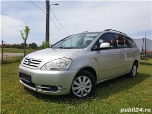 Toyota avensis verso  - imagine 1