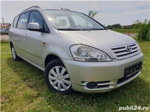 Toyota avensis verso  - imagine 10