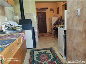 Vand apartament 2 camere - imagine 7