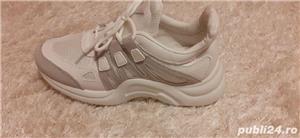 Adidasi femei nr 40  - imagine 1