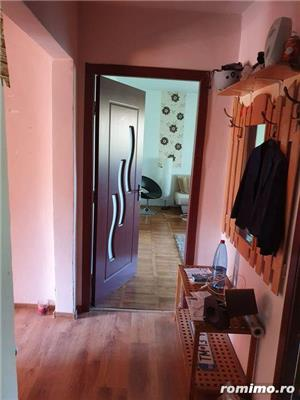 Apartament 3 camere decomandat etaj 4 zona Barnutiu - imagine 4