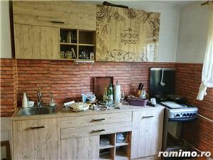 Apartament 3 camere decomandat etaj 4 zona Barnutiu - imagine 1