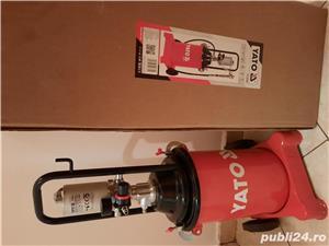 Vand pompa pneumatica de gresat Yato 12L - imagine 2
