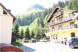 Inchiriere - Complex Turistic Rucar-Bran, 22 camere, sala cursuri, sala agrement, restaurant  - imagine 1