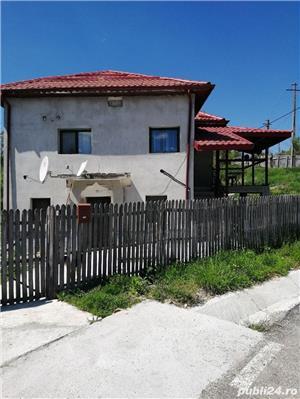Vila de vânzare  - imagine 1