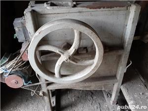 Vand masina de curatat stiuleti de porumb - imagine 1