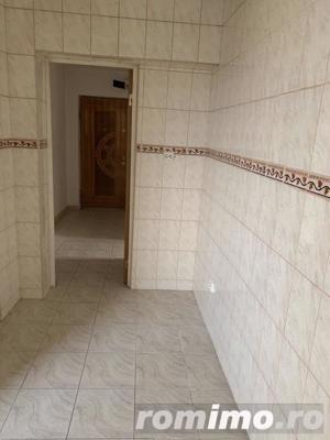 Crangasi apartament cu 3 camere de inchiriat nemobilat 400 € - imagine 2