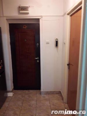 Dristor apartament de vanzare 3 camere aproape de metrou - imagine 10